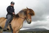 An-Magritt Morset (29) på konkurransehesten Gydja, 7-årig hoppe. Stugudal i Tydal, S-trøndelag