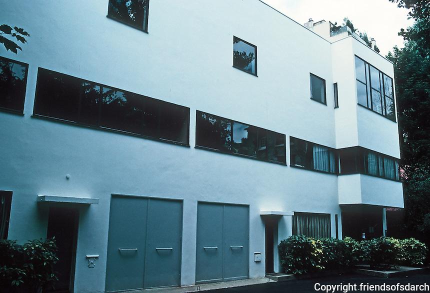 Le Corbusier: Maisons La Roche et Jeanneret, Paris 1922-24.  Photo '90.