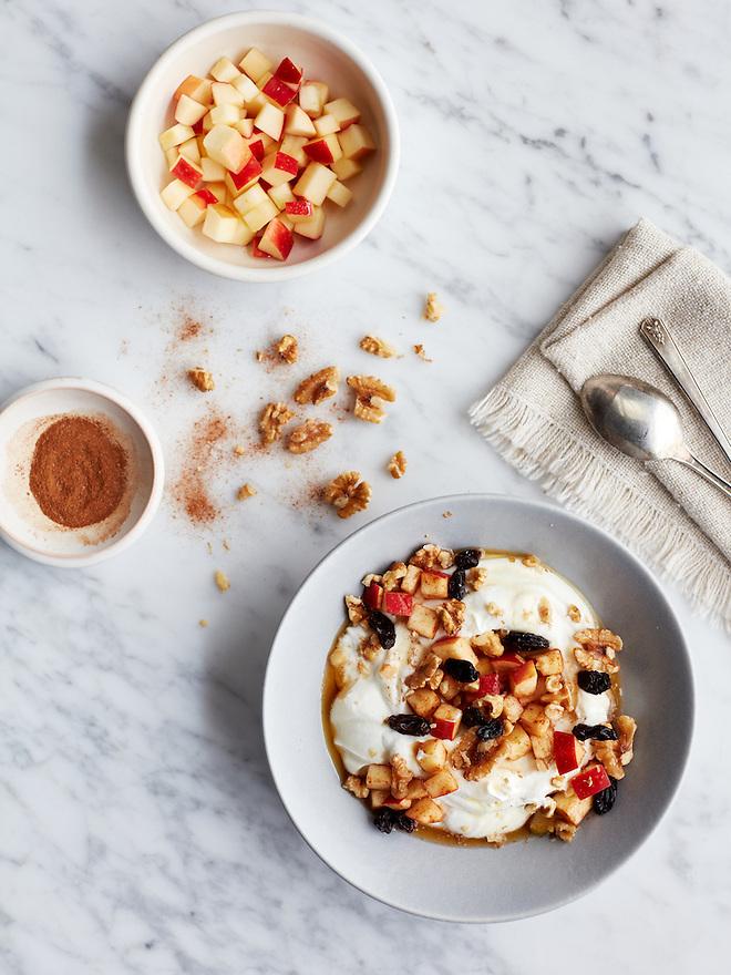 Yogurt with Walnuts, Apples, Raisins and Cinnamon