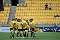 Action from the A League - Wellington Phoenix v Adelaide United, Wellington, New Zealand on Sunday 30 March 2014. <br /> Photo by Masanori Udagawa. <br /> www.photowellington.photoshelter.com.