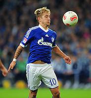 FUSSBALL   1. BUNDESLIGA   SAISON 2012/2013   5. SPIELTAG FC Schalke 04 - FSV Mainz 05                               25.09.2012        Lewis Holtby (FC Schalke 04)   Einzelaktion am Ball