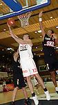 Basketball, BBL 2003/2004 , 1.Bundesliga Herren, Wuerzburg (Germany) X-Rays TSK Wuerzburg - GHP Bamberg (62:84) Ivo Kresta (Wuerzburg) geht mit dem ball zum Korb, rechts Mike Nahar (Bamberg)
