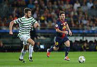 FUSSBALL   INTERNATIONAL   CHAMPIONS LEAGUE   2012/2013      FC Barcelona - Celtic FC Glasgow       23.10.2012 Lionel Messi (re, Barca) gegen Charlie Mulgrew (Celtic)