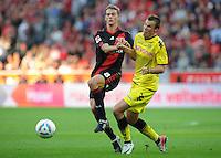 FUSSBALL   1. BUNDESLIGA   SAISON 2011/2012    4. SPIELTAG Bayer 04 Leverkusen - Borussia Dortmund              27.08.2011 Lars BENDER (li, Leverkusen) gegen Kevin GROSSKREUTZ (re, Dortmund)