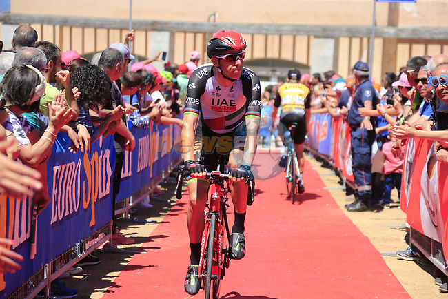Rui Costa (POR) UAE Emirates team arrives to sign on at Arbatax before Stage 3 of the 100th edition of the Giro d'Italia 2017, running 148km from Tortoli to Cagliari, Sardinia, Italy. 7th May 2017.<br /> Picture: Eoin Clarke | Cyclefile<br /> <br /> <br /> All photos usage must carry mandatory copyright credit (&copy; Cyclefile | Eoin Clarke)