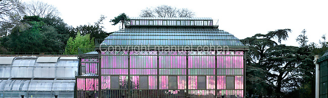 """Plant History Glasshouse (formerly Australian greenhouse), 1834, Charles Rohault de Fleury, Jardin des Plantes, Museum d'Histoire Naturelle, Paris, France. Panoramic view of the glasshouse seen in a morning light with the seeds incubators (called """"les couveuses"""") on the left."""