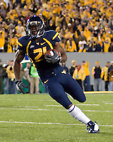 October 23, 2008: WVU wide receiver Dorrell Jalloh heads to the endzone on a 32-yard TD reception. The West Virginia Mountaineers defeated the Auburn Tigers 34-17 on October 23, 2008 at Mountaineer Field, Morgantown, West Virginia.