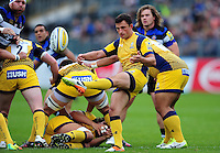 Jonny Arr of Worcester Warriors box-kicks the ball. Aviva Premiership match, between Bath Rugby and Worcester Warriors on September 17, 2016 at the Recreation Ground in Bath, England. Photo by: Patrick Khachfe / Onside Images