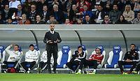 Fussball  1. Bundesliga  Saison 2013/2014   11. Spieltag  in Sinzheim TSG 1899 Hoffenheim - FC Bayern Muenchen    02.11.2013 Nur die Ruhe bewahren; Trainer Pep Guardiola (FC Bayern Muenchen)  beruhigt sein Team vor der Ersatzbank