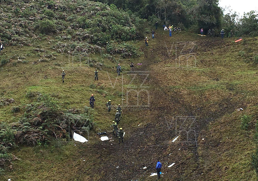 LA UNION -COLOMBIA-29-11-2016. Aspecto del sitio de la tragedia del avi&oacute;n de la compa&ntilde;ia Lamia Corporation de Bolivia que transportaba al equipo Chapecoense de Brasil y el cual perdieron la vida 76 personas y 6 sorevivientes. El siniestro ocurri&oacute; en el cerro El Gordo, municipio de La Uni&oacute;n Antioquia  / Aspect of the site of the tragedy of the airplane of the company Lamia Corporation of Bolivia that transported Chapecoense team. 76 people lost and 6 survivors. The airplane crash happened at El Gordo mountain in La Union, Antioquia. Photo: VizzorImage/ Policia Antioquia<br /> NOTA: THE IMAGE WAS PROVIDED BY ANTIOQUIA POLICE  PRESS SERVICE. NO SALES, NO MARKETING,  COMPULSORY CREDIT<br /> M&Aacute;XIMA RESOLUCI&Oacute;N POSIBLE