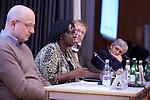 25.11.2013, Berlin. Katholische Akademie Hotel Aquino. Verleihung des ÖNZ Friedenspreises 2013 an Gloriosa Bazigaga, International Alert