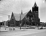 Pittsburgh PA:  View of the Sixth Presbyterian Church in the Shadyside section of Pittsburgh - 1956.  The church's name was changed and is now the Eastminister Presbyterian Church.