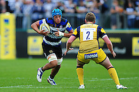 Zach Mercer of Bath Rugby in possession. Aviva Premiership match, between Bath Rugby and Worcester Warriors on September 17, 2016 at the Recreation Ground in Bath, England. Photo by: Patrick Khachfe / Onside Images