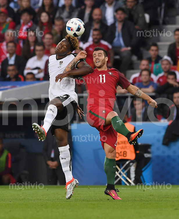 FUSSBALL EURO 2016 GRUPPE F IN PARIS Portugal - Oesterreich      18.06.2016 David Alaba (li, Oesterreich) gegen Vieirinha (re, Portugal)