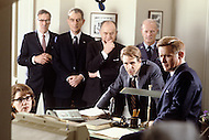 August 1983, New York City. Kennedy TV miniseries written by Reg Gadney and directed by Jim Goddard. Aired on the 20th of November 1983 for the 20th anniversary of the Kennedy assassination. Photo of cabinet meeting, among them Martin Sheen as President John F. Kennedy and John Shea as Robert F. Kennedy.