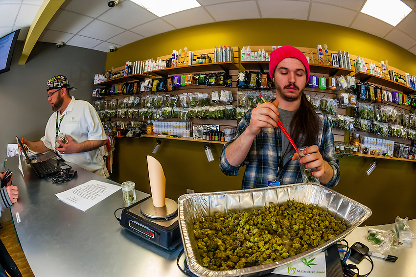 how to get a job at a dispensary in colorado