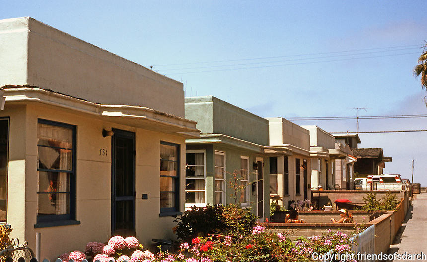 san diego 1930s moderne bungalows yarmouth ct in mission beach photo
