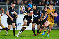 Zach Mercer of Bath Rugby goes on the attack. European Rugby Challenge Cup match, between Bath Rugby and Bristol Rugby on October 20, 2016 at the Recreation Ground in Bath, England. Photo by: Patrick Khachfe / Onside Images