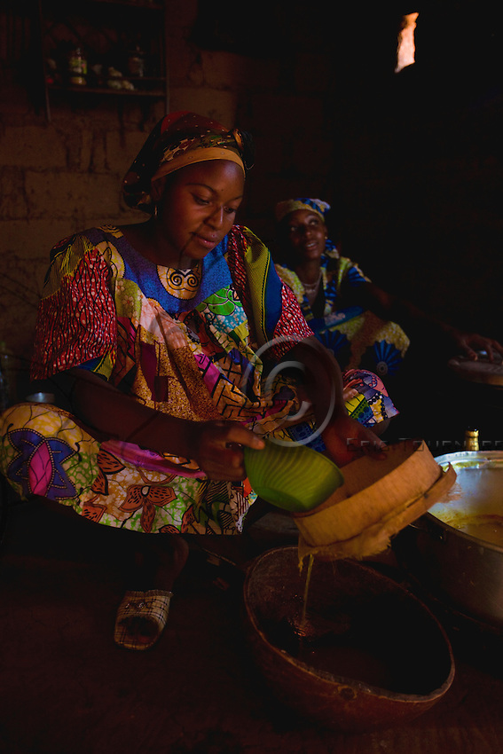 In all the villages, the Christian women make mead in the huts, which are also the places where it is drunk.