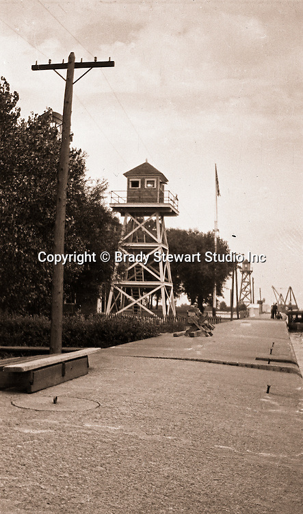 Erie PA: View of Watch Towers on the Lake Erie water front - 1915