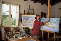 Anne Donnelly, pittrice, nel suo studio. E' nata a Belfast e vive a Tivoli..Anne Donnelly, painter, in her study. She was born in Belfast, living in Tivoli..Onia....