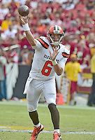 Cleveland Browns quarterback Cody Kessler (6) throws a pass in second quarter action against the Washington Redskins at FedEx Field in Landover, Maryland on October 2, 2016.<br /> Credit: Ron Sachs / CNP /MediaPunch ***EDITORIAL USE ONLY***