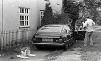 Pix: Copyright Anglia Press Agency/Archived via SWpix.com. The Bamber Killings. August 1985. Murders of Neville and June Bamber, daughter Sheila Caffell and her twin boys. Jeremy Bamber convicted of killings serving life...copyright photograph>>Anglia Press Agency>>07811 267 706>>..Police check Jeremy Bamber's car for evidence. no date..ref 00011 neg 4..