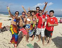 FUSSBALL WM 2014  11.06.2014 Fussbalfans am Stand der Copacabana
