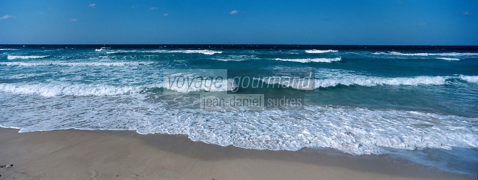 Cuba/Env La Havane/Santa Maria del Mar: La plage
