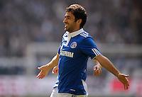 FUSSBALL   1. BUNDESLIGA   SAISON 2011/2012   29. SPIELTAG FC Schalke 04 - Hannover 96                                08.04.2012 Torjubel nach dem 1:0: Raul (Schalke)