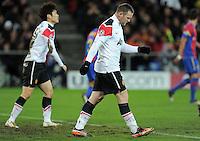 FUSSBALL   CHAMPIONS LEAGUE   SAISON 2011/2012     23.11.2011 FC Basel - Manchester United Enttaeuschung ManU; Wayne Rooney  (Mitte)