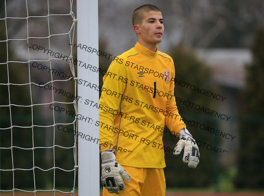 Fudbal soccer friendly match<br /> Srbija U17 v Madjarska U17<br /> Goalkeeper Milos Cupic<br /> Stara Pazova, 08.12.2015.<br /> foto: Srdjan Stevanovic/Starsportphoto &copy;