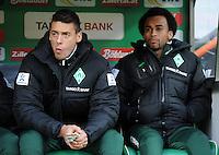FUSSBALL   1. BUNDESLIGA   SAISON 2011/2012    14. SPIELTAG SV Werder Bremen - VfB Stuttgart       27.11.2011 Sandro WAGNER (li) und WESELY (re, beide SV Werder Bremen) auf der Ersatzbank
