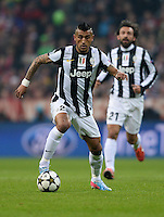 FUSSBALL  CHAMPIONS LEAGUE  VIERTELFINALE  HINSPIEL  2012/2013      FC Bayern Muenchen - Juventus Turin       02.04.2013 Vidal Arturo (Juventus Turin) Einzelaktion am Ball