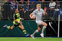 Harry Davies of Bath Rugby races clear for a try in the second half. Pre-season friendly match, between Leinster Rugby and Bath Rugby on August 26, 2016 at Donnybrook Stadium in Dublin, Republic of Ireland. Photo by: Patrick Khachfe / Onside Images