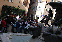 Roma, quartiere Ebraico. Rome, Jewish district. .Fontana delle Tartarughe nella Piazzetta Mattei. .Fountain of the Turtles in the Piazzetta Mattei....
