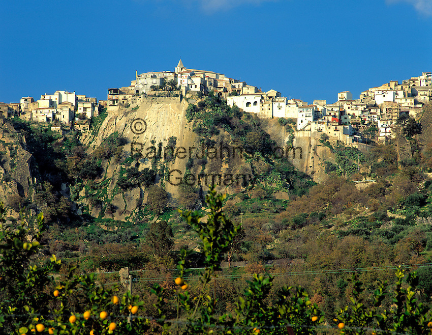 Italy sicily motta camastra mountain village near for Motta arredi catania
