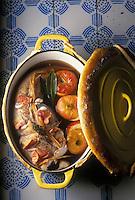 Gastronomie générale / Cuisine générale : Fricassée de lotte au  cidre, pommes roties au jambon.