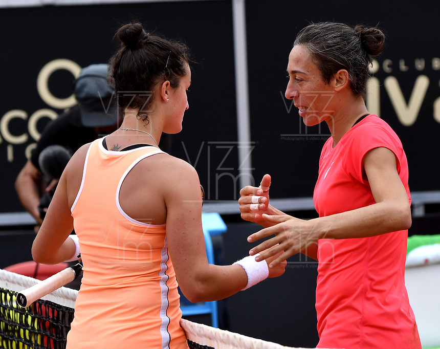 BOGOTA - COLOMBIA – 15 – 04 - 2017: Francesca Schiavone de Italia, y Lara Arruabarrena de España, al final de partido por el Claro Colsanitas WTA, que se realiza en el Club Los Lagartos de la ciudad de Bogota. / Francesca Schiavone from Italy and Lara Arruabarrena From Spain, at the ned of a match for the WTA Claro Colsanitas, which takes place at Los Lagartos Club in Bogota city. Photo: VizzorImage / Luis Ramirez / Staff.