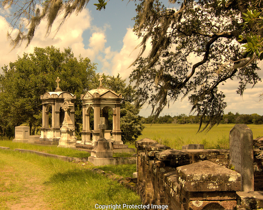 This wealthy Charleston couple decided on an extravagant his and her tomb site. It appears that in death, they wanted to be close, but not too close.