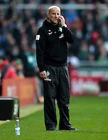 FUSSBALL   1. BUNDESLIGA   SAISON 2012/2013    30. SPIELTAG SV Werder Bremen - VfL Wolfsburg                          20.04.2013 Trainer Thomas Schaaf (SV Werder Bremen)