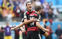 FUSSBALL WM 2014  VORRUNDE    GRUPPE G USA - Deutschland                  26.06.2014 Torjubel nach dem 0:1: Miroslav Klose (li) und Torschuetze Thomas Mueller (re, beide Deutschland)