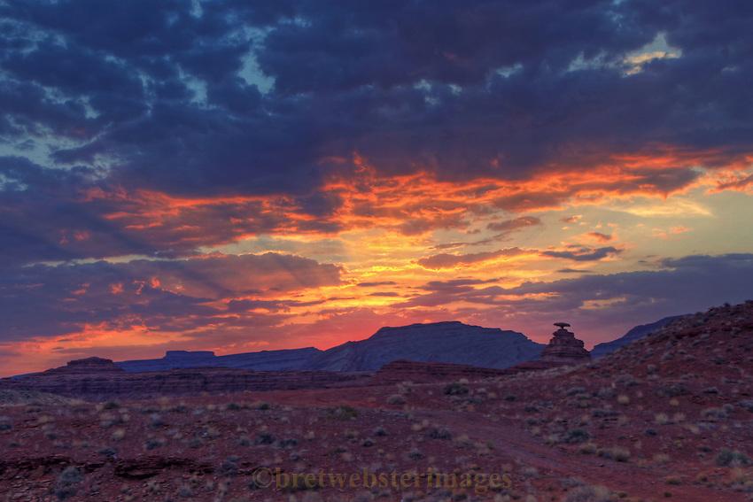 Sunrise at Mexican Hat, Utah