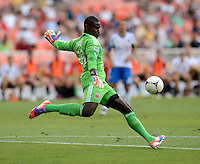 Bill Hamid (28) of D.C. United punts the ball upfield during the game at RFK Stadium in Washington DC.   D.C. United defeated the Montreal Impact, 3-0.