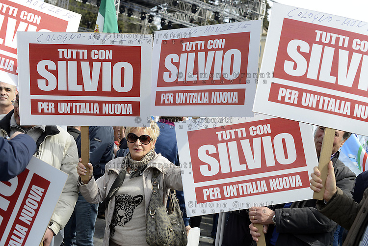 Roma, 23 Marzo 2013.Piazza del Popolo.Manifestazione del Popolo della Libertà in sostegno a Silvio Berlusconi contro gli attacchi della magistratura.