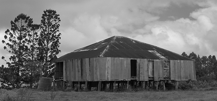 Peeramon<br /> Old Farm Shed, <br /> October 1999<br /> Destroyed by Cyclone Larry; 2006