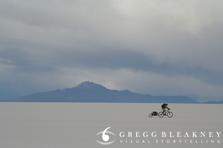 Don Thomas cycles along the Salar de Uyuni - Bolivia - South America
