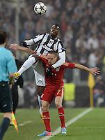 FUSSBALL  CHAMPIONS LEAGUE  VIERTELFINALE  RUECKSPIEL  2012/2013      Juventus Turin - FC Bayern Muenchen        10.04.2013 Paul Pogba (li, Juventus Turin) gegen Franck Ribery (re, FC Bayern Muenchen)