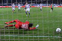 VOETBAL: HEERENVEEN: 20-02-2016, SC Heerenveen - NEC, uitslag 1-1, Mitchell te Vrede mist penalty, NEC doelman Brad Jones redt. ©foto Martin de Jong