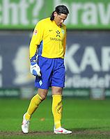 FUSSBALL   1. BUNDESLIGA  SAISON 2011/2012   18. Spieltag 1. FC Kaiserslautern - SV Werder Bremen        21.01.2012 Torwart Tim Wiese (SV Werder Bremen)